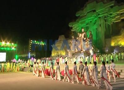 Cột đèn giàn nâng hạ HIKARU tại Quảng trường Tuyên Quang
